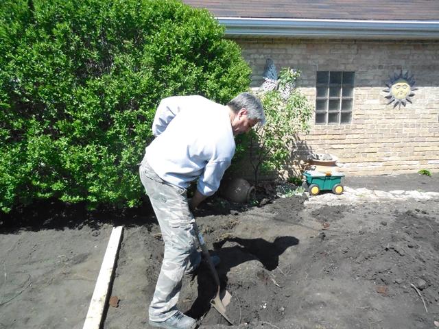 Work that shovel!